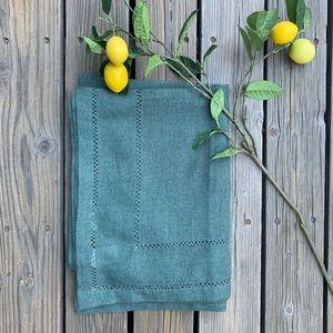 🍋 Tablecloth